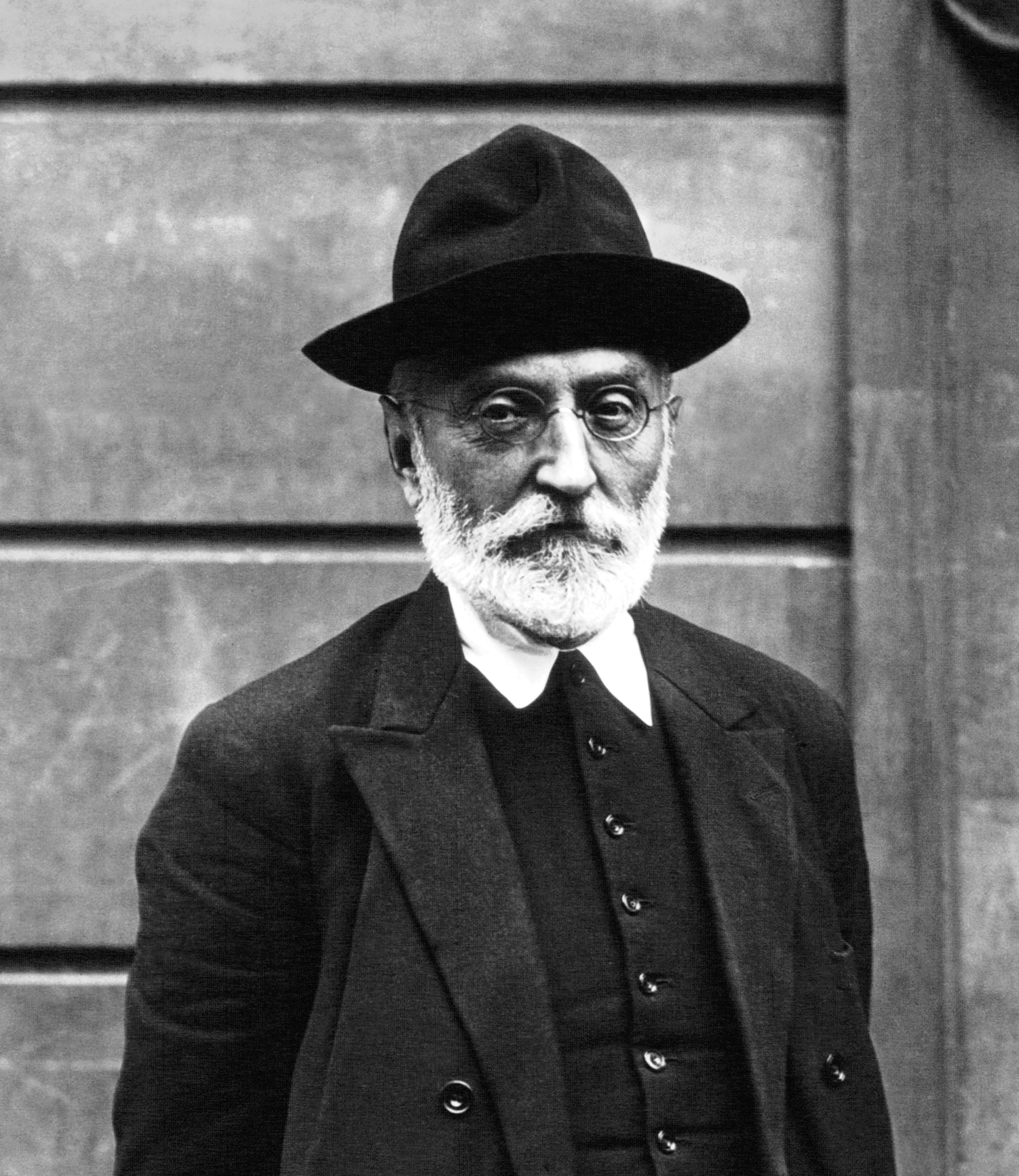 Miguel_de_Unamuno_Meurisse_1925.jpg